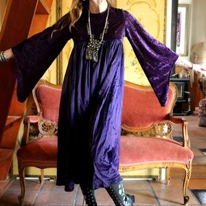 🌛Vintage Purple Velvet Bell Sleeve Dress🌜